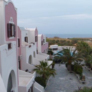 Manos Villa