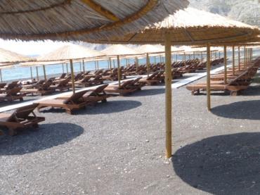 Black sand beach - Perissa