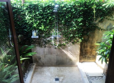 villa-shower